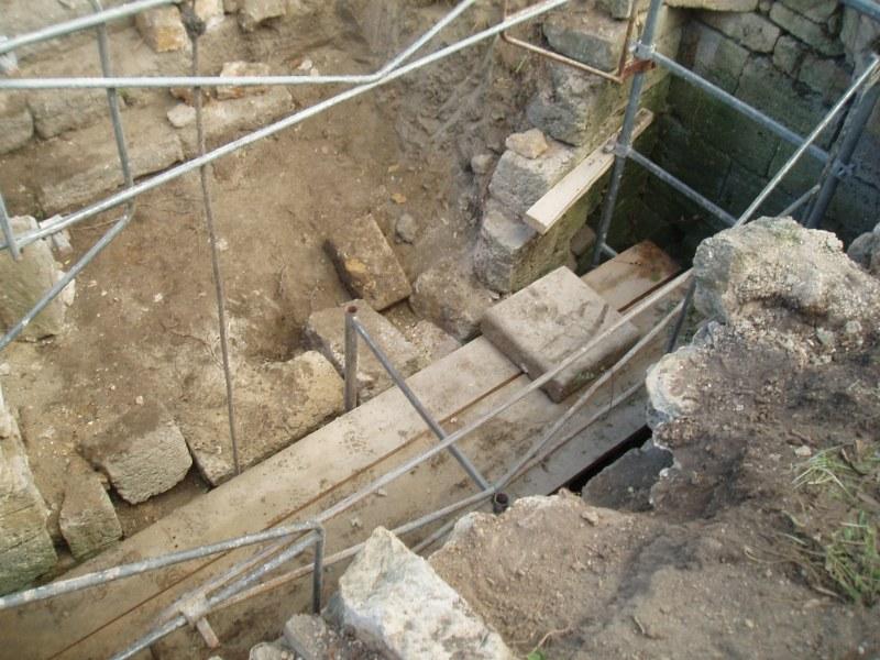 Mur de sout nement calade p zenas sud pierre - Mur soutenement pierre ...